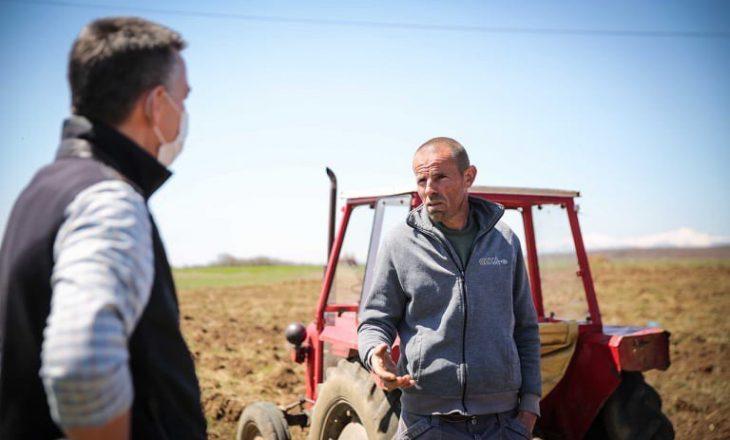 Veseli viziton fermerët në ara: Pakon e rimëkëmbjes ekonomike prej 320 milionë euro do ta kalojmë