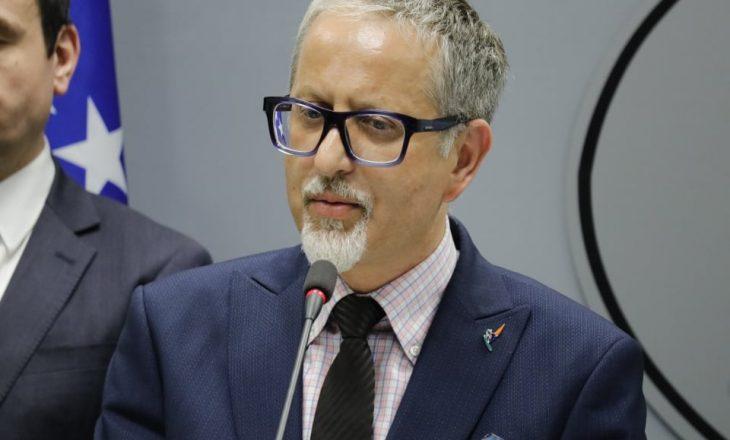 """Ministri Vitia kritikohet se """"gënjeu për 7 mijë testet"""" për COVID-19"""