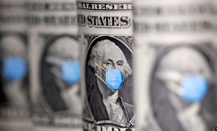 Amerikanët marrin çeqet ndërsa barra financiare rritet
