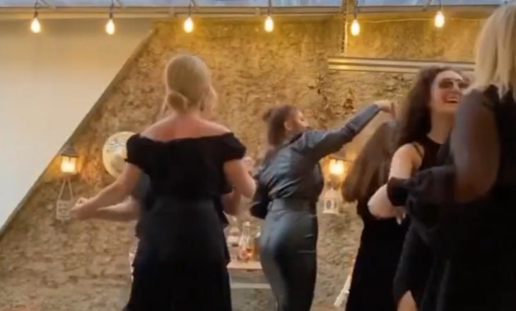 Këngëtaret shqiptare bëjnë festë në karantinë