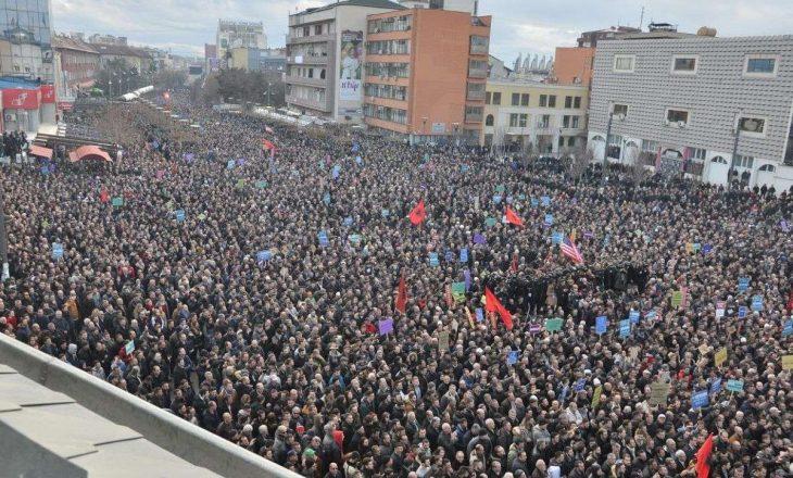 A do të ketë protestë nga VV më 4 maj – Flet Albin Kurti