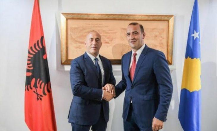 Haradinaj i reagon Pacollit për deklaratën ku e përmend nënën e tij