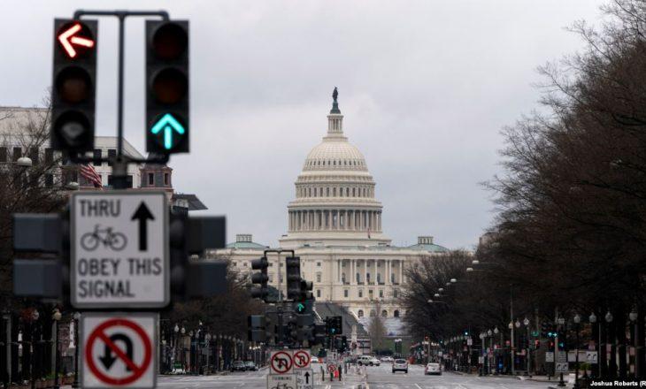 Kongresi amerikan miraton 484 miliardë dollarë për tejkalimin e situatës së pandemisë