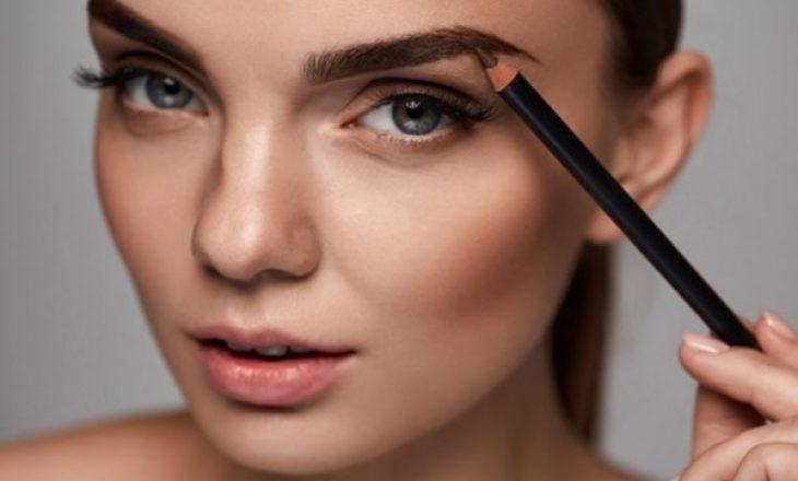 3 këshilla të thjeshta që 'make up-i' t'ju rezistojë gjatë gjithë ditës