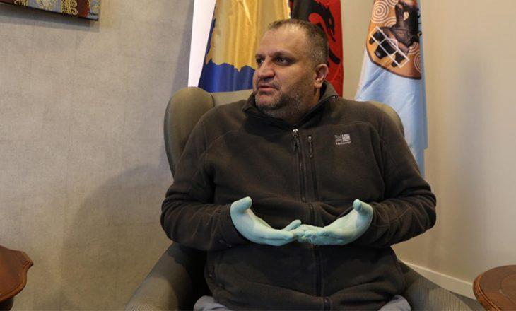 Shpend Ahmeti shpjegon procedurën e testimeve me Covid-19 në Komunën e Prishtinës
