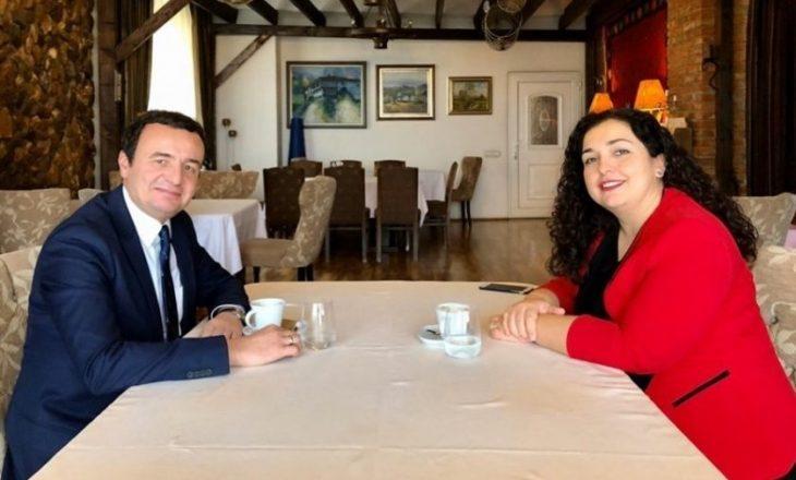 Vjosa Osmani merr pjesë në takimin konsultues të Albin Kurtit