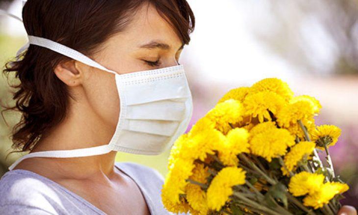 Mjekja tregon ndryshimin mes koronavirusit dhe alergjive, jep disa këshilla të rëndësishme