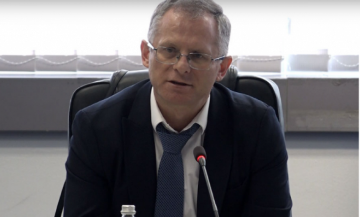 Ministri i Financave thotë se kanë marr kredi 52 milionë euro, por e ka bllokuar kuvendi