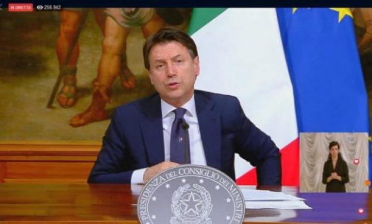 Nis faza 2 në Itali: Lejohen vizitat familjare, baret hapen më 1 qershor