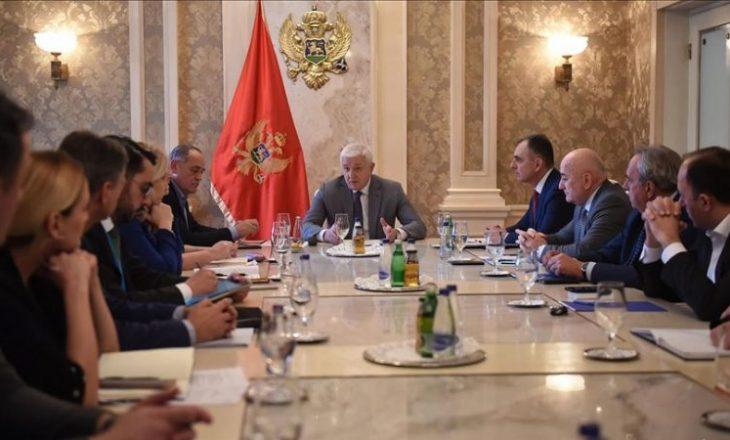 Mali i Zi refuzon respiratorët falas nga Serbia, kurse Kosova pranon 1 mijë teste