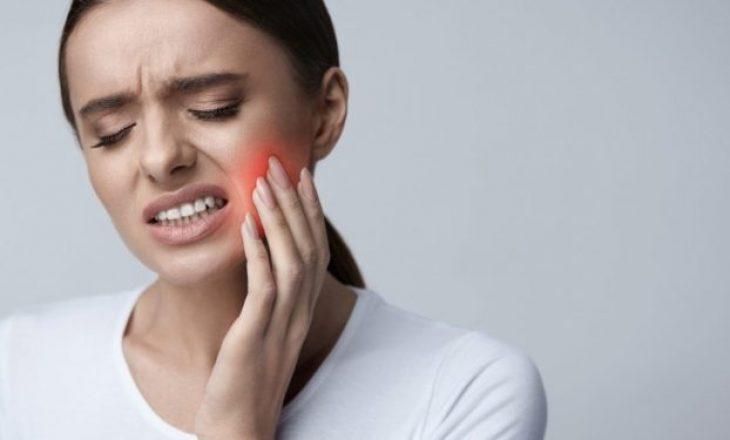 Dhimbje dhëmbi gjatë karantinës? Ja çfarë duhet të bëni