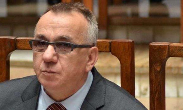 Hasani: Është gabim të rrethohet numri që mbajnë kandidatët e pacertifikuar