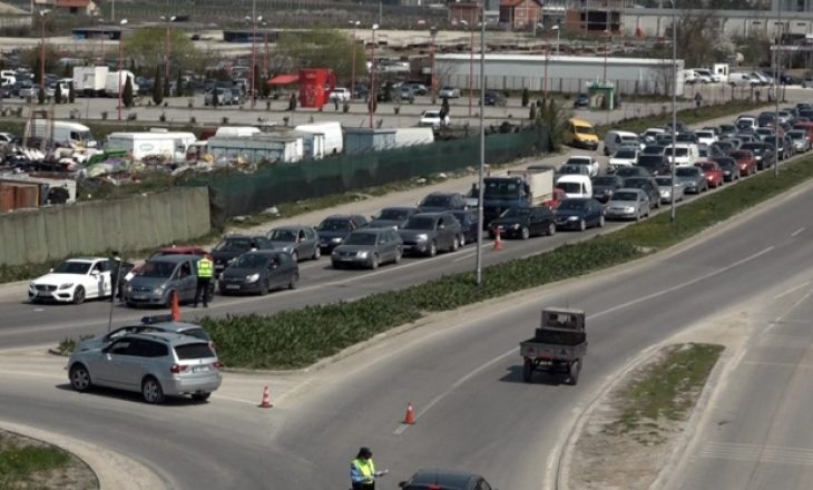 Karantinimi i qyteteve, ankohen bizneset: Punëtorët po ndalohen nga Policia