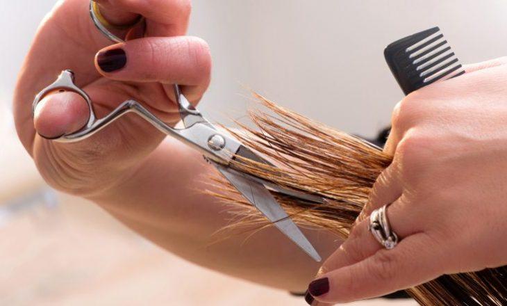 Si t'i prisni vetë flokët në shtëpi hap pas hapi