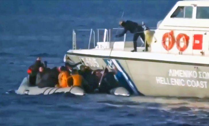 Greqia nis flotën e saj luftarake në kufirin detar për shkak të refugjatëve