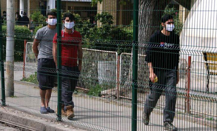 Në Serbi ushtria ka përdorur armë zjarri në kampe të migrantëve
