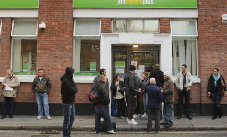 Britanisë i rrezikohen gati 7 milionë vende pune, nëse izolimi zgjat me muaj