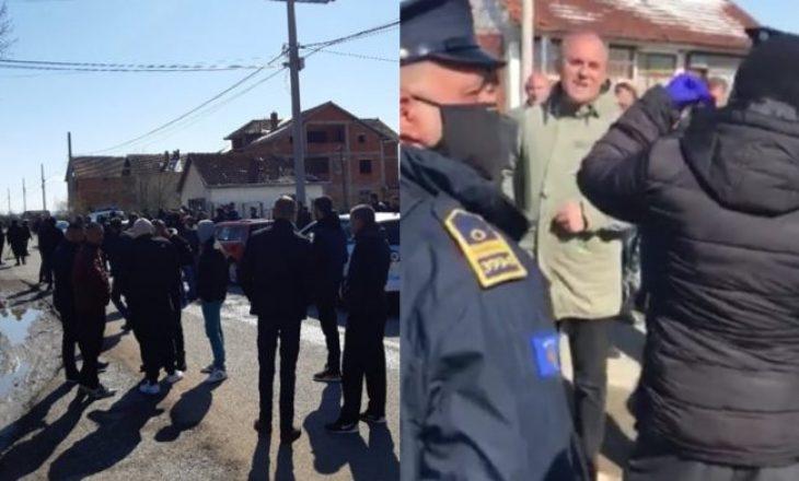 Banorët e Dumnicës përsëri në protestë, kërkojnë ndihmat që iu premtuan