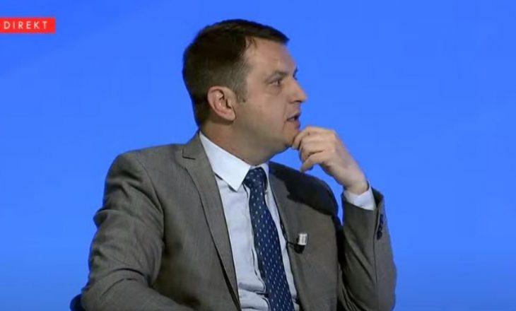 Selimi i përgjigjet Lutfi Hazirit: Emri i Presidentit kalon edhe ka zyrat e AAK-së