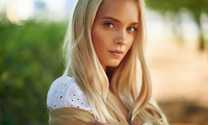 3 mënyra për të çelur në shtëpi ngjyrën e flokëve në mënyrë natyrale, të aprovuara nga parukierët