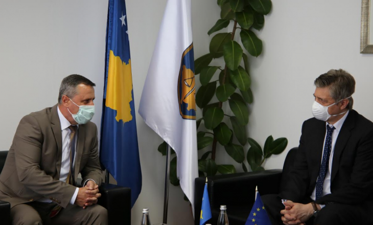 Kryeprokurori Isufaj priti në takim shefin e EULEX-it, Lars – Gunnar Wigemark