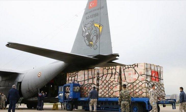 Nga Turqia niset avioni i dytë i ndihmës me furnizime mjekësore për SHBA-në