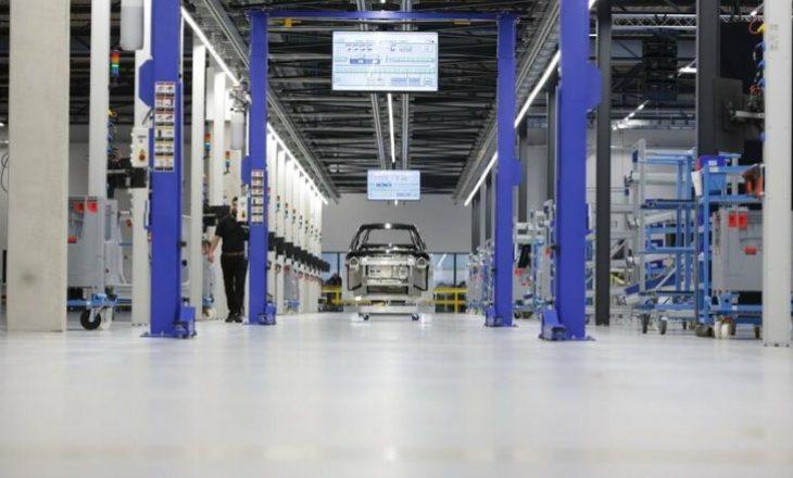 Tregu i veturave në BE bie me mbi 20 për qind për shkak të COVID-19