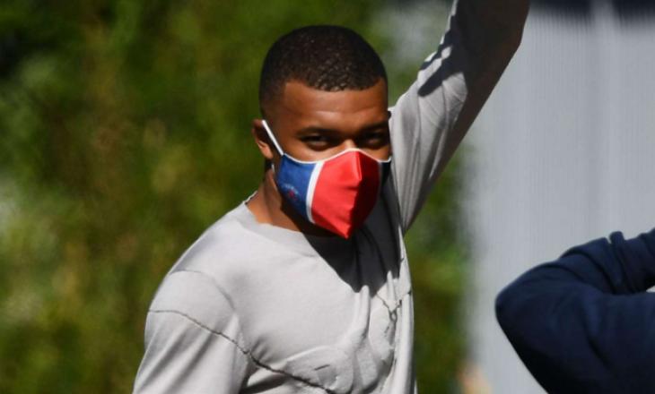Tre futbollistë dhe një anëtar i stafit të PSG dalin me Coronavirus
