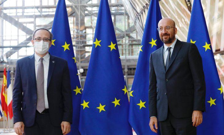 Hoti vazhdon takimet në Bruksel, kërkon liberalizimin e vizave