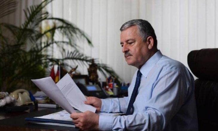 Kasaforta e hapur me dokumente të ndieshme, raporton Agim Veliu