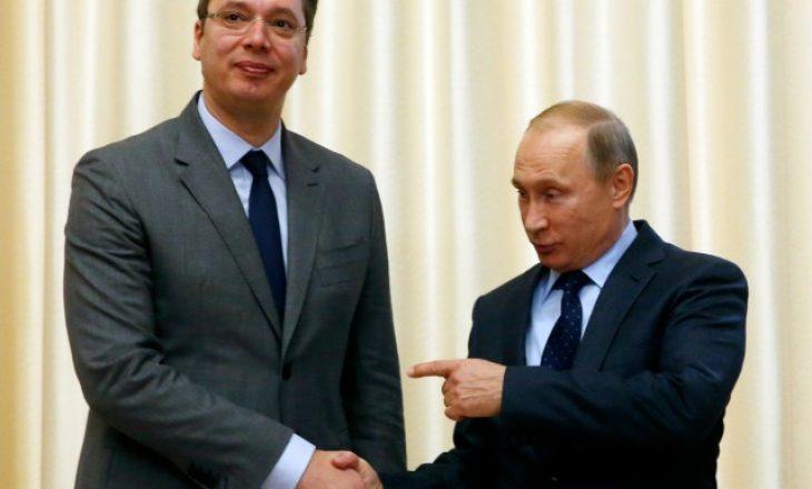 """Vuçiq në Moskë Putinit i drejtohet si """"mik i dashur"""""""