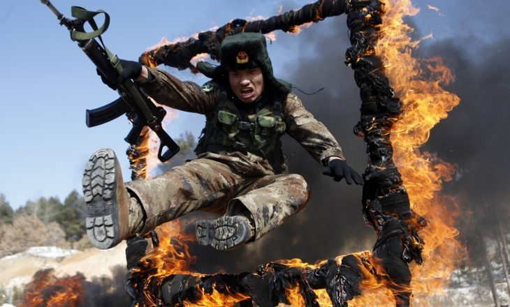 Kina – pas përleshjeve me Indinë – njofton se do t'i trajnojë ushtarët e vet në arte marciale