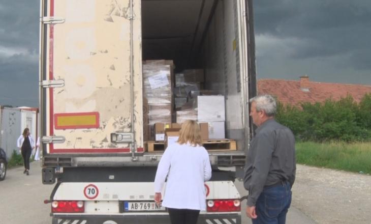 Serbia i furnizon me ilaçe zonat ku banojnë serbët në Kosovë