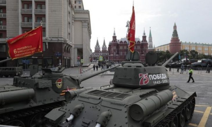Parada Ushtarake: Rusia feston fitoren në Luftën e Dytë Botërore