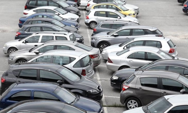 Rritje e numrit të parkingjeve synohet në Prishtinë gjatë 2021-tës