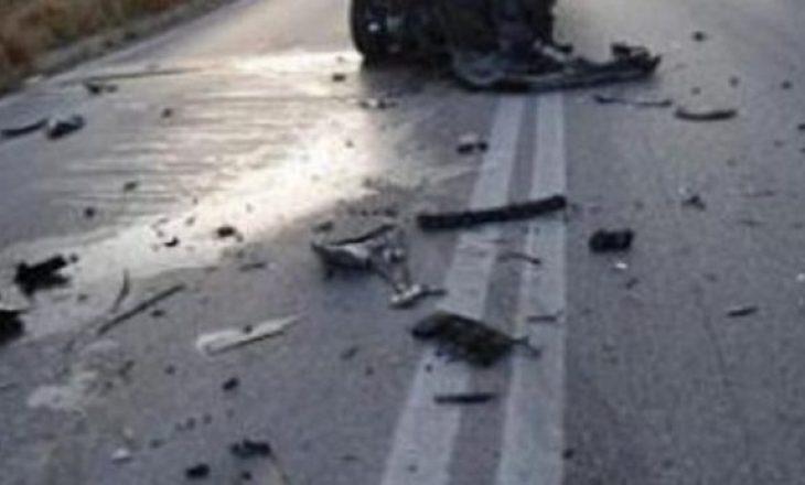 Prizren: Godet me veturë karrocën me fëmijë brenda, në vendkalim për këmbësor