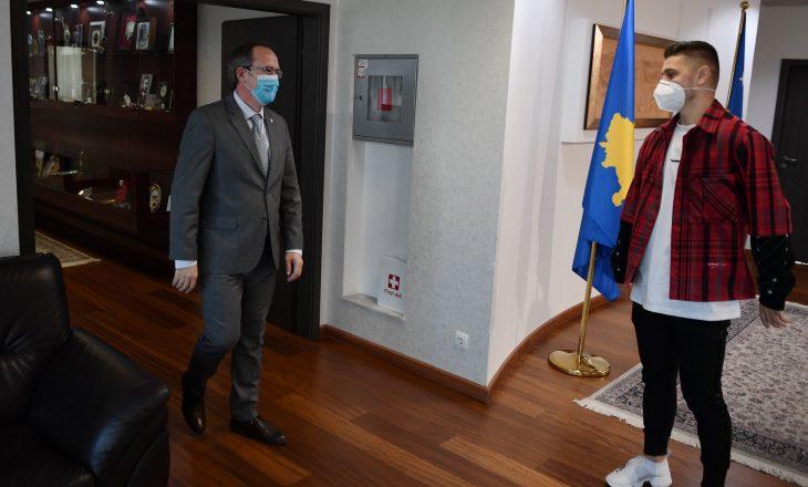 Milot Rashica viziton kryeministrin Avdullah Hoti