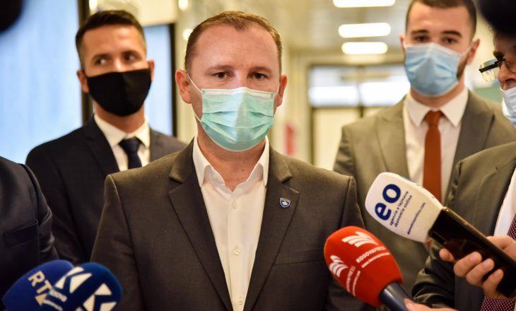 Armend Zemaj viziton Kliniken Torakale dhe Qendrën Klinike Universitare