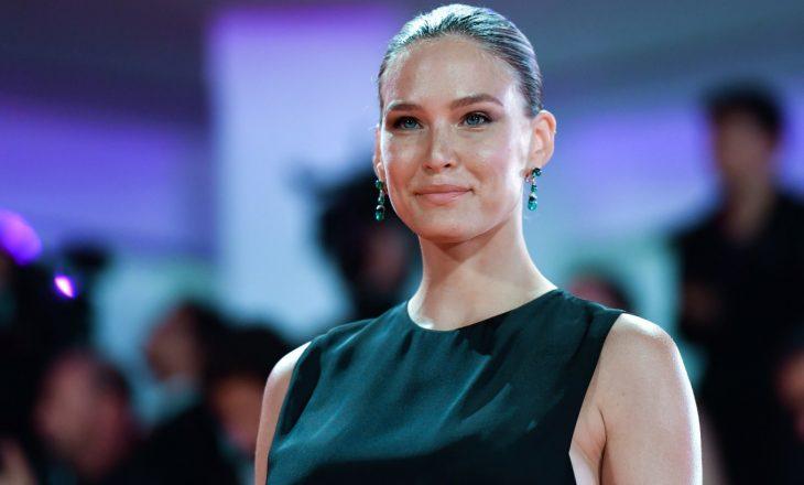 Supermodelja e njohur gjobitet për evazion fiskal, nëna e saj dënohet me burg
