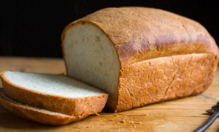 Pse duhet të hiqni nga tryeza bukën e bardhë?