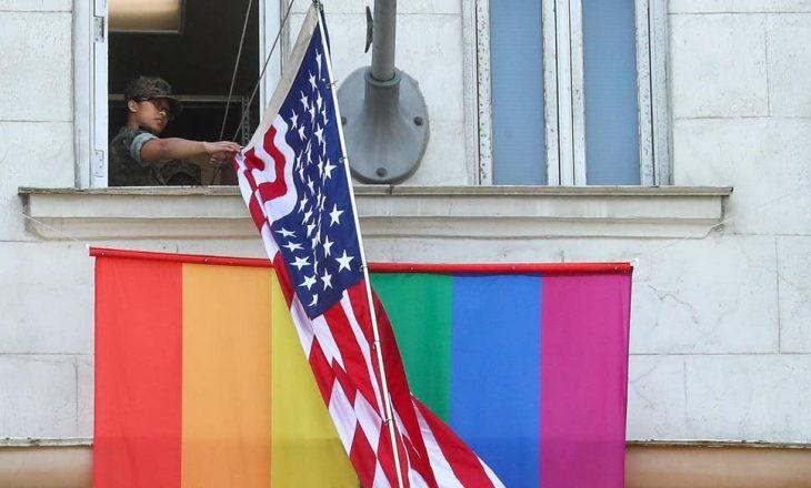"""Putin """"tallë"""" Amerikën: """"Në ambasadën e SHBA-së në Moskë janë LGBT"""""""