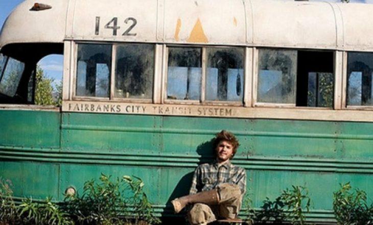 """Autoritetet detyrohen ta heqin autobusin e famshëm të filmit """"Into the Wild"""" (VIDEO)"""
