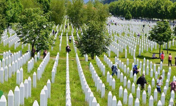 Hoti kujton Srebrenicën: Bashkëndjejmë me popullin boshnjak