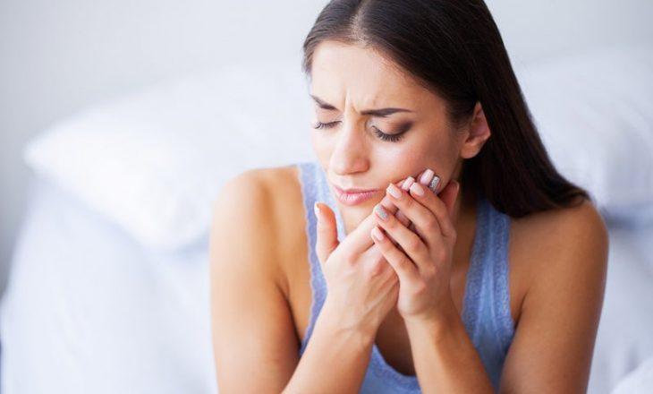 Dhimbjen e dhëmbit mund ta ngatërroni me probleme tjera shëndetësore