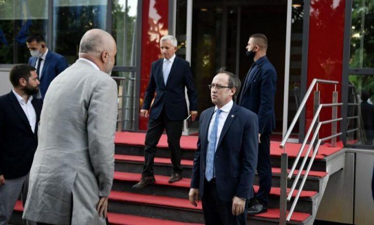 Agjenda plotë e kryeministrit Hoti në Tiranë