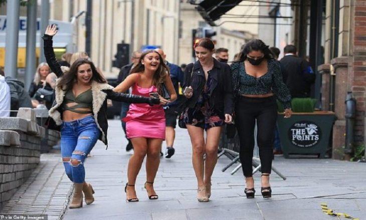 Hapet pub-et pas pandemisë, tërbohen britanikët (FOTO)