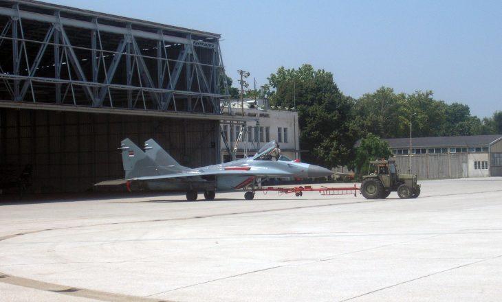 Serbia kompleton rindërtimin e aeroportit që e shkatërroi NATO në 99-ën
