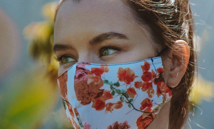 Disa arsye pse maska e fytyrës mund të ndikojë në problemet e lëkurës