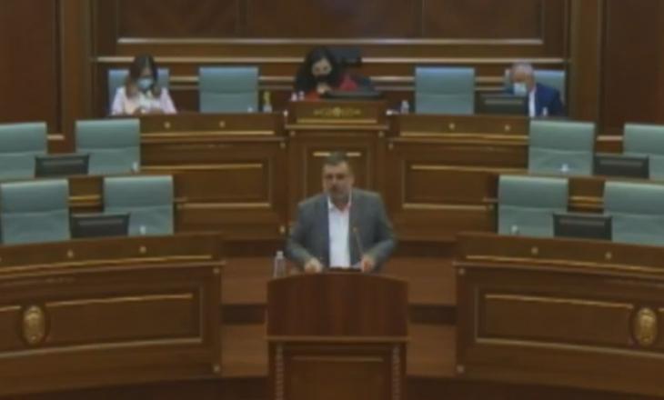 Kusari-Lila i kërkon ta mbajë maskën, ministri Kuçi: E kam pasë më herët