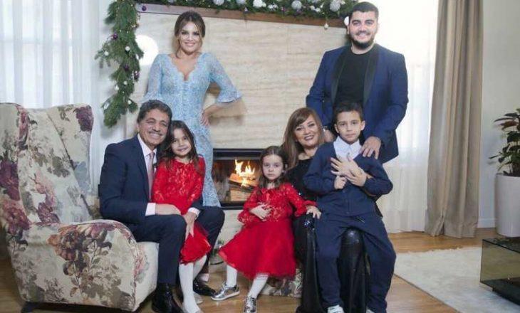 Familja Fejzullahu pajisen me pasaporta shqiptare